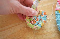 Fabric Easter basketTutorial on the Moda Bake Shop. http://www.modabakeshop.com