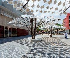 Cataluña celebra 300 años en 7 intervenciones urbanas efímeras | LIBERTAD Anupama Kundoo en colaboración con IAAC Plaza de Salvador Seguí | Libertad / Anupama Kundoo. Image © Marcela Grassi