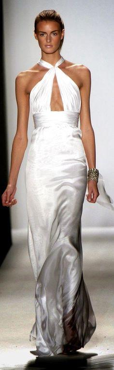 Oscar de la Renta Spring 2006   white cross-halter sheath dress