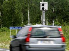 Poliisin automaattivalvonta tuotti viime vuonna noin 200000 huomautusta.