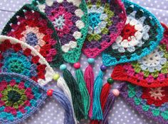 Awesome idea.... I will make these and border my latest granny .... Aaaa dor a ble! ;)