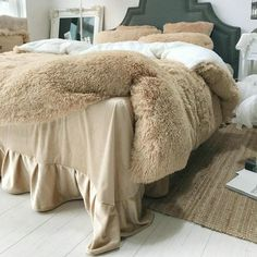 Hot-sale Personalized DecBest Thicken Shearling Blanket Winter Soft Warm Bed Quilt for Bedding Twin Full Queen King Size Online - NewChic Mobile Zara Home, Linen Bedding, Bedding Sets, Fur Bedding, Bed Linens, Getting Out Of Bed, Design Your Home, Satin, Interior Design Tips