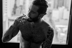 homem-tatuado-de-cueca-rhelden-spirandelli-em-ensaio-sensual-imagens-4