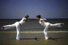 Yoga op het strand, één van de verschillende workshops van de Baak Seaside