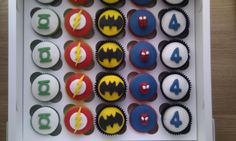 More superhero cupcakes