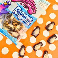 Snack movie remake: March of the Gummy Penguins 🐧❄️ Turkish Snacks, Pop Tarts, Penguins, Cereal, Snack Recipes, March, Movie, Sweet, Snack Mix Recipes