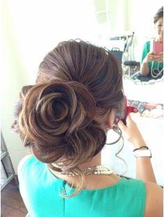 バーニッシュ(VARNISH) シニヨン Evening Hairstyles, Formal Hairstyles, Girl Hairstyles, Wedding Hairstyles, Wedding Hair And Makeup, Hair Makeup, Creative Haircuts, Hair Arrange, Bun Updo