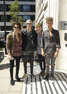 Did any of you guys get followed on twitter by James or Con yesterday??! I'm really trying for a Tris follow today :) Bradley Simpson, Meet The Vamps, Evan And Connor, Somebody To You, Bradley The Vamps, Will Simpson, New Hope Club, Pose For The Camera, British Boys