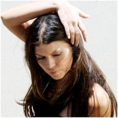 Reasons For Hair Loss In Women & How To Prevent It