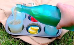 Muffin tin for picnic drink holder