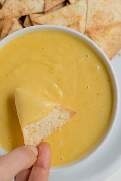This vegan cheese tastes like real cheese. It's a delicious and healthy alternative to cheese, made with inexpensive and easy to get ingredients. Vegan Cheese Recipes, Vegan Cheese Sauce, Vegan Sauces, Vegetarian Recipes, Nut Cheese, Cashew Cheese, Dips Für Chips, Whole Food Recipes, Cooking Recipes