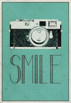 Smile Retro Camera Plakater hos AllPosters.no