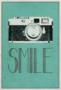 Smile Retro Camera Plakater hos AllPosters.no