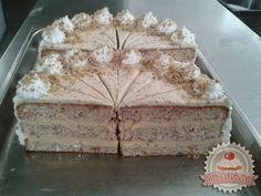 TutiReceptek és hasznos cikkek oldala: Eszterházy torta Hungarian Recipes, Hungarian Food, Vanilla Cake, Main Dishes, Food And Drink, Cooking Recipes, Vegetarian, Ethnic Recipes, Minden