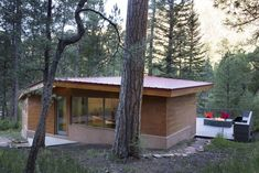 Located in Tres Lagunas, an hour east of Santa Fe, the Pecos cabin is a contemporary take on the traditional log cabins of the West. Pecos River, Japanese Joinery, Wall Seating, Outdoor Living, Log Cabins, Traditional, Contemporary, Garden, Plants