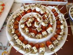 Snacks am Spieß - - Party Snacks, Appetizers For Party, Appetizer Recipes, Decoration Buffet, Charcuterie Platter, Antipasto Tray, Party Food Platters, Appetisers, Food Presentation