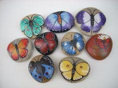 Blog de coupdepinceau :galets peints, papillons