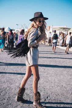 32 Awesome Rodeo Outfits Ideas For Women Festival Looks, Festival Mode, Festival Style, Festival Wear, Festival Outfits, Festival Fashion, Rodeo Outfits, Gypsy Style, Hippie Style