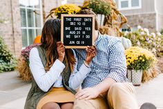 What to Wear Apple Picking- Fall Engagement Shoot Ideas - GoodTomiCha - Life with Alyda Engagement Picture Props, Fall Engagement Shoots, Country Engagement Pictures, Engagement Photo Inspiration, Engagement Photography Props, Announcing Engagement, Engagement Session, Couple Photoshoot Poses, Wedding Photoshoot