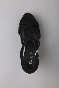 6a9111cd1 17 Best sandals images