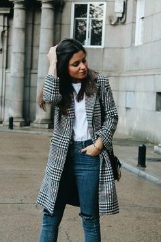 Comfy winter #outfit wearing jeans, sneakers and plaid coat