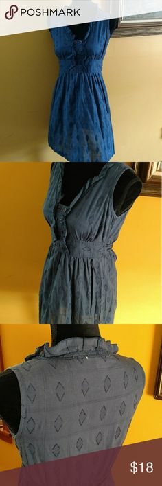 Charlotte Russe Dress. Size small Cute little summer dress. Ties at the waist. Still in great condition. Size small. Small place at neckline where tag is. Can be fixed easily Charlotte Russe Dresses Midi