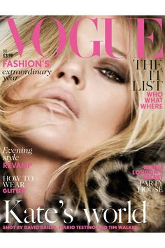 Kate's Vogue UK Covers–Adding yet another Vogue cover to her collection, supermodel Kate Moss appears on Vogue UK's December 2014 issue, posing for Mario Testino on two separate covers. Vogue Magazine Covers, Fashion Magazine Cover, Vogue Covers, Mario Testino, Vogue Uk, Sam Mcknight, Kate Moss Style, Secret House, Art Partner