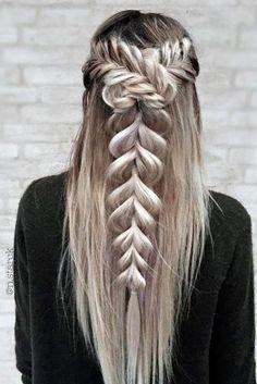 Terrific Creative And Unique Wedding Hairstyles See more: www.weddingforwar… The post Creative And Unique Wedding Hairstyles ❤ See more: www.weddingforwar… appeared first on New Hairstyles . Cool Braids, Braids For Long Hair, Peinado Updo, Christmas Party Hairstyles, Cool Braid Hairstyles, Creative Hairstyles, Layered Hairstyles, Medium Hairstyles, Unique Hairstyles