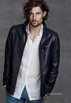 Dutch Model Wouter Peelen as Miles Archer in UGLY LOVE by Colleen Hoover -- he just needs to cut the hair and he'll be perfect to be Miles!// Wouter Peelen for El Palacio De Hierro