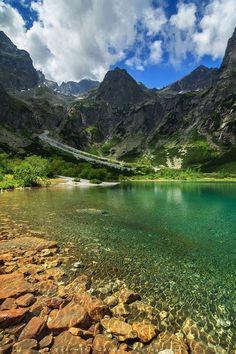 Slovakia -Vysoké Tatry Bratislava, Places To Travel, Places To See, Travel Around The World, Around The Worlds, High Tatras, Heart Of Europe, Green Lake, Air France