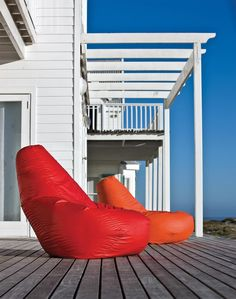 Zanotta Sacco for outdoor |  - Read more about #sacco on Designbest Magazine --> http://magazine.designbest.com/en/design-culture/objects/sacco-by-zanotta-armchair/?utm_source=sacco-by-zanotta-armchair&utm_medium=pinterest&utm_campaign=SOCIAL-activities | @Zanotta #designbest |