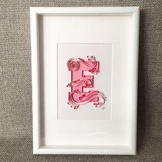 Monograma de arte enclavijada papel enmarcado 'E'