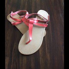 Old Navy Sandals - Never Worn!! Never worn!! Cute pink flip flops. Old Navy Shoes Sandals