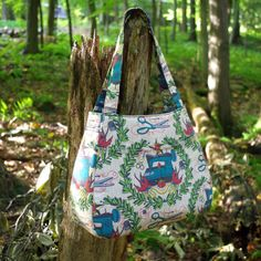 A roomy, sturdy and stylish take on a modern tote bag! This listing includes one PDF pattern and instructions for sewing the Ethel Bag.