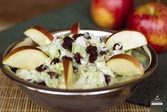 Salada de repolho com maçã.