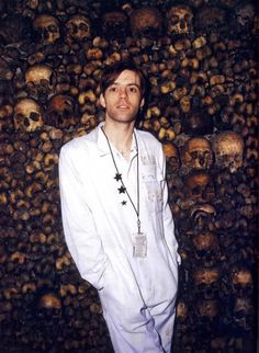 Richey Edwards in catacombs, Paris / 1994 Richey Edwards, Johnny Thunders, Cool Bands, People, Catacombs Paris, Beautiful, Musicians, Alternative, Inspire