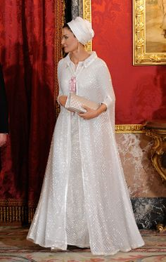Sheikha Mozah Fashion - the fabric of this outfit...