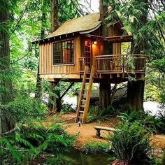 34 Inspiring Wooden House Design Ideas For Interior And Exterior Design Backyard Treehouse, Building A Treehouse, Backyard Trees, Building A House, Treehouse Ideas, Beautiful Tree Houses, Cool Tree Houses, Beautiful Things, Wood Pavilion