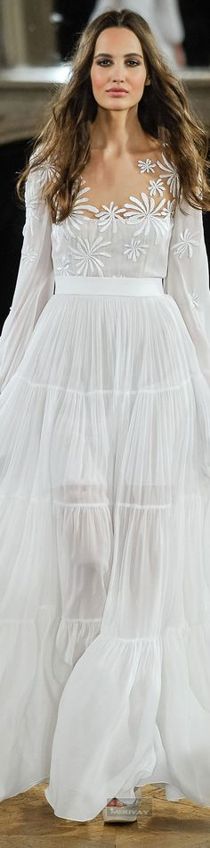 Some amazing dresses in here....i don't have the figure to wear them but still beautiful....Yanina Spring-summer 2015 - Couture.
