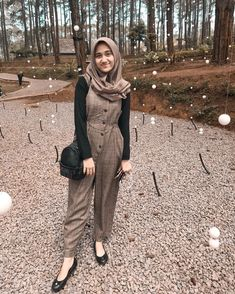 Stylish Hijab, Casual Hijab Outfit, Ootd Hijab, Hijab Chic, Modern Hijab Fashion, Fashion Ideas, Fashion Outfits, New Wardrobe, Outfit Of The Day