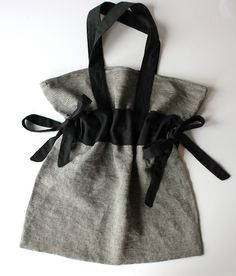 Cinch-tie tote bag tutorial! Thanks, Sweet Verbena.