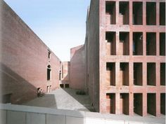 Indian Insitute of Management - Ahmedabad, India - Louis Kahn
