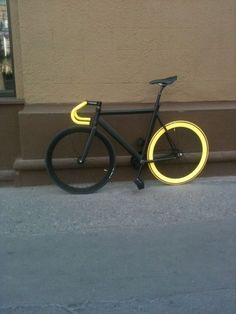 An interesting idea to be safe on the road. Be Safe, be Seen should be every cyclist mantra.