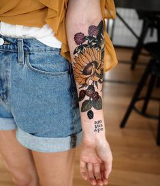 22 Beautiful Large Floral Tattoo for Women