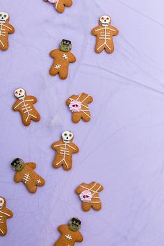 Get in the Halloween spirit with these spooky gingerbread men 😊👻🎃 Spooky Icing Decorations available at Coles and link to recipe in our bio . Icing Decorations, Gingerbread Men, Spirit Halloween, Confectionery, Cake Decorating, Sweets, Link, Recipes, Goodies