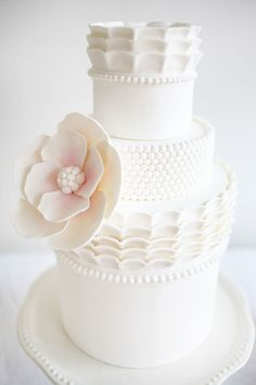 beautiful cake, it also came with individual cakes for each place setting...designed by Jessica Harris of Jessickes