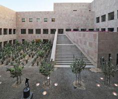 Escuela de diplomacia de la universidad de Georgetown in Doha, Qatar by Legorreta - Inspiration for University Campus in Middle East by SI architects
