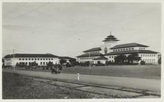still stands to this day, what a good building construction, not cracked due time (Gedung Sate) - Bandung Tempo Dulu - Google Search