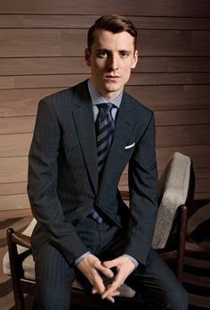 Ermenegildo Zegna Su Misura Collection TROFEO Perfectly cut in a finely striped blue TROFEO fabric, this suit is an office wardrobe staple. Woven to resist creases, in this suit a businessman is ensured to look at its best whatever his schedule might be. Mens Fashion Suits, Mens Suits, Modi Jacket, Western Suits, Formal Suits, Formal Wear, Nehru Jackets, Dapper Gentleman, Business Outfit