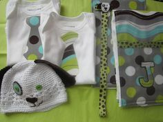 Such a great idea to give as a baby shower gift for boys! or girl, just using differnt cloth.Gotta try it